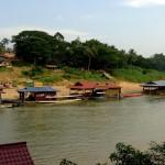 taman-negara-floating-restaurants (1)